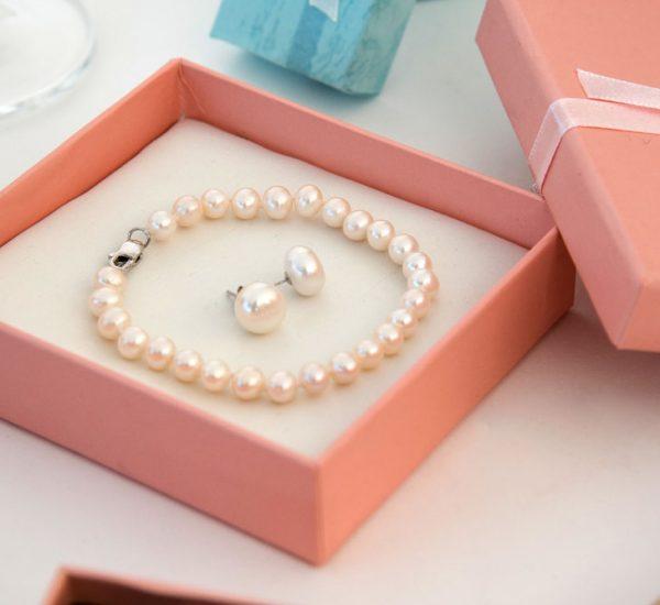 I love Pearls