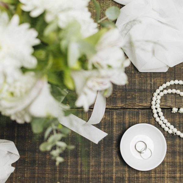 Wedding flowers ring and Pearls